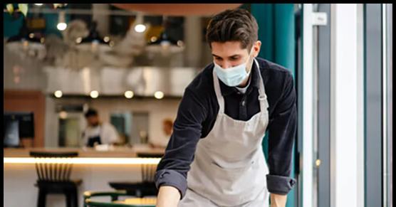 Restauratorzy narzekają na młodych i leniwych, ponieważ za 18 zł na godzinę nikt nie chce już roznosić talerzy